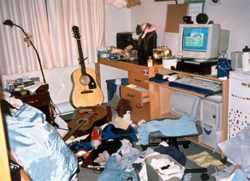 Blink Messy Dorm Room